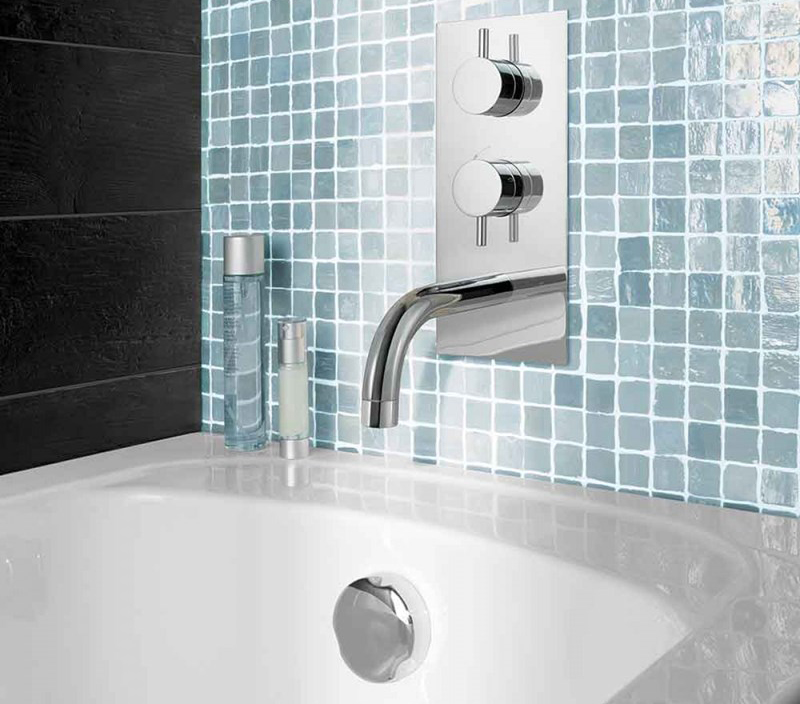 Thermostatic valve with bath spout and overflow bath filler