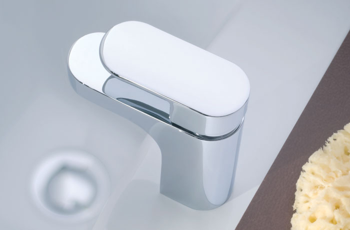 A small basin tap ideal for smaller basins and small spaces.