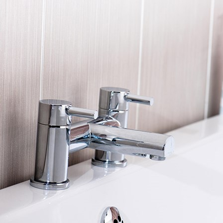 A bath filler mixer pair in a high quality chrome finish which has been designed to maintain it's shine